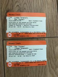 ロンドン市内からライまでの電車の切符