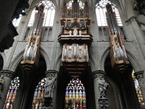 サン・ミッシェル大聖堂の中の様子