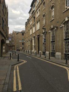 ロンドンの雰囲気のある路地裏