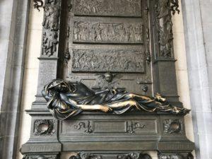 ブリュッセルに来たら絶対触りたいセラクラースの像