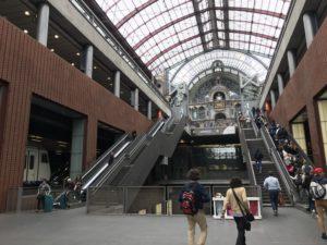 世界一美しいと言われるアントワープ中央駅
