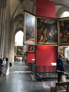 大聖堂の中の様子