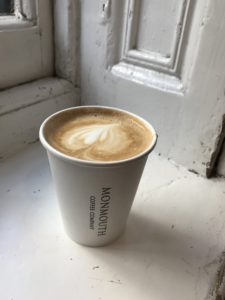 MONMOUTH COFFEEの美味しいラテ