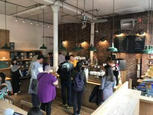 MONMOUTH COFFEEの店内