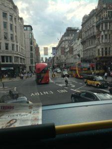 ロンドンバスの2階からの景色